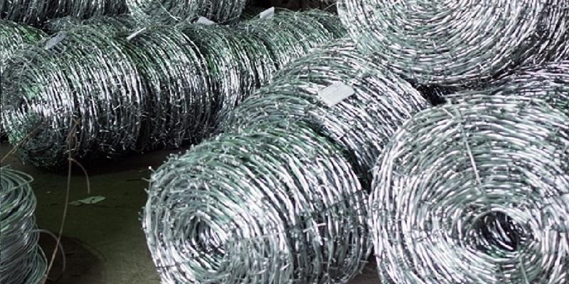 Dây kẽm gai được sản xuất bằng dây sợi ( 2,5 ly ), ( 3 ly ), ( 3,5 ly )
