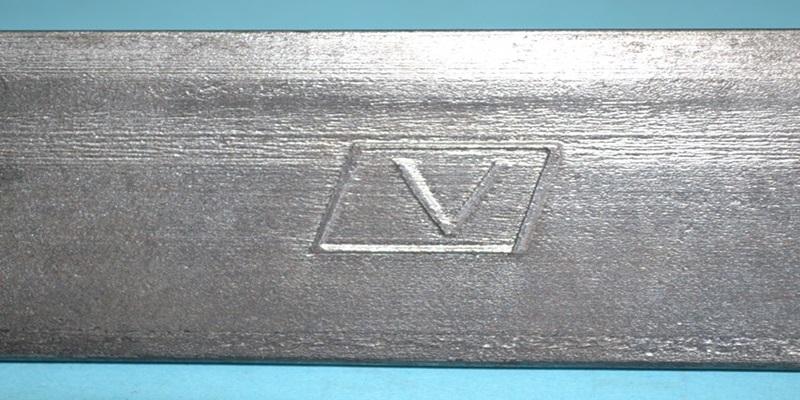 Giá thép V Nhà Bè chính hãng - Mộc chữ V in nổi