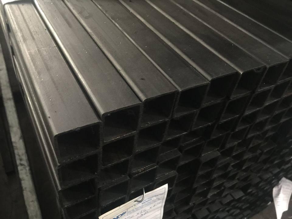 Thép hộp đen Việt Nhật Sendo giá rẻ cạnh tranh.